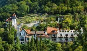 Замок принца Ольденбургского в Абхазии
