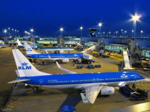 Аэропорт в Амстердаме.